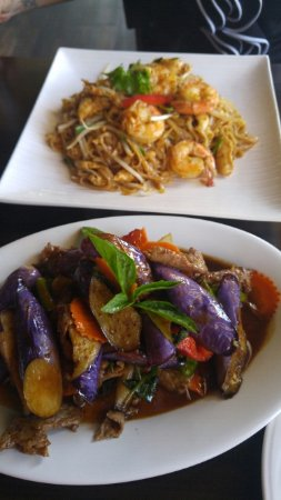 Pad Thai With Chicken Shrimp And Green Curry With Eggplant