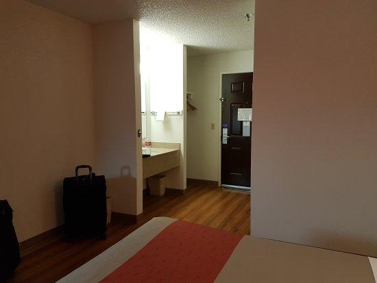 Motel 6 Williams West - Grand Canyon: 20170426_220218_large.jpg
