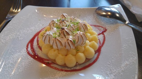 Plaisir, فرنسا: Dessert au trois citrons