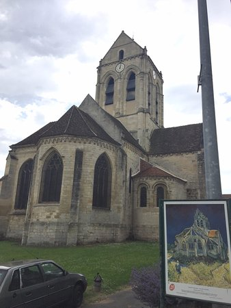 Auvers-sur-Oise, Frankrijk: The nearby church