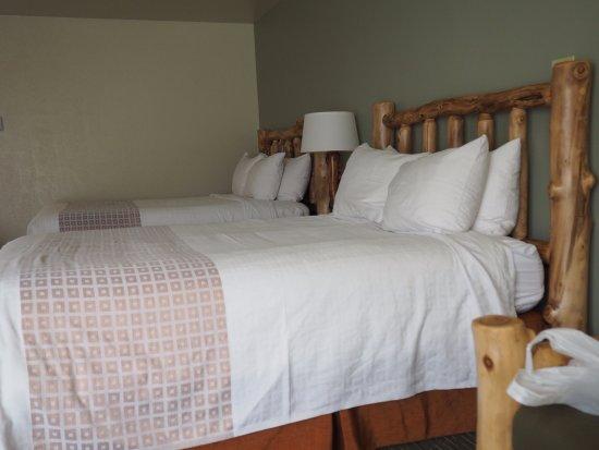 Mount Carmel, UT: Stylový (srubový) nábytek