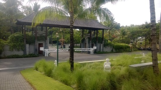 entrance   property picture  courtyard bali nusa dua resort tripadvisor