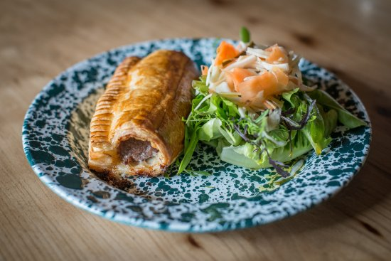 Beaminster, UK: Jumbo sausage roll
