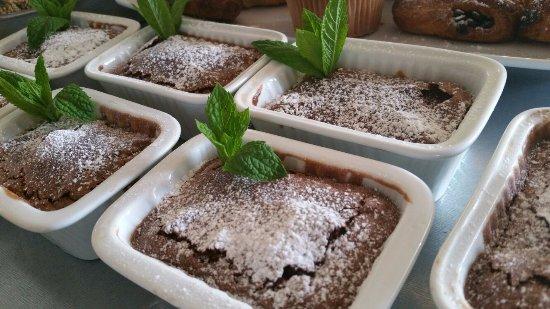 B&B Villa Amaranta: Chocolade cake met peer