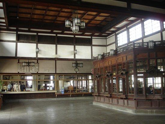 Former Taisha Station: 天井の高い駅舎