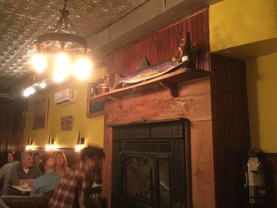 Chatham, NY: Back dining raea