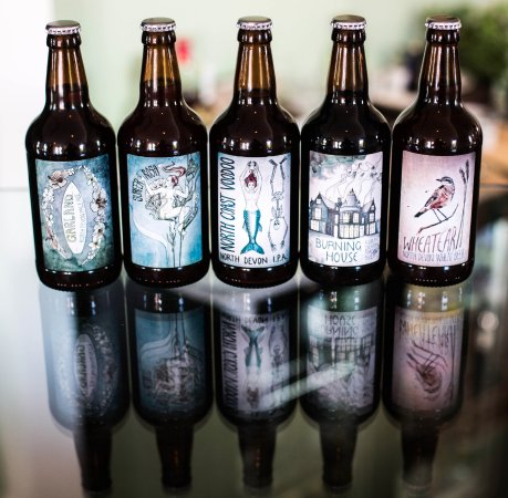 Mortehoe, UK: These are the local beers from Coombemartin, the cafe is licensed!! :)