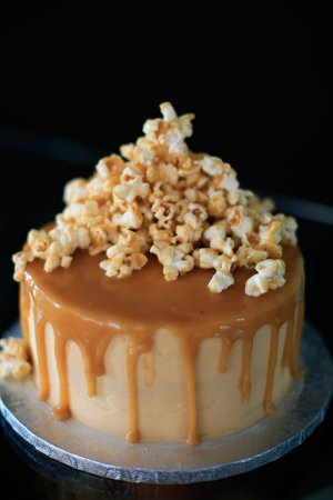Mortehoe, UK: Popcorn cake - all the cakes are homemade on site