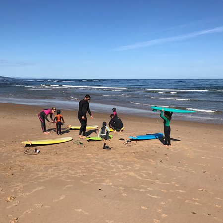 Ecole de Surf Taiba: Session haute en couleurs - Avril 2017
