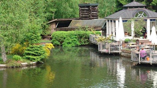 Eisenschmitt, Alemania: Blick auf den Restaurant-Bereich