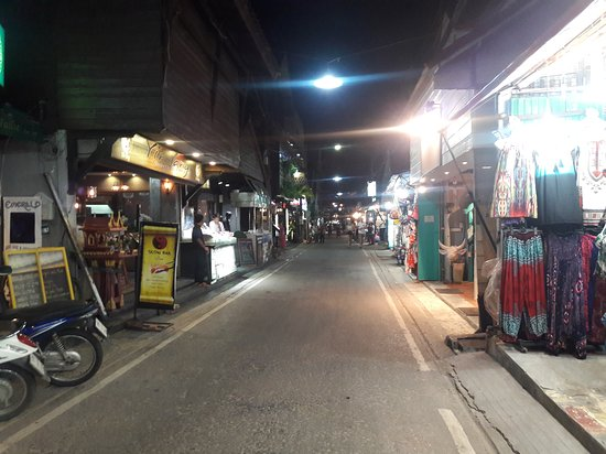 Bophut, Thailand: 20170524_192106_large.jpg