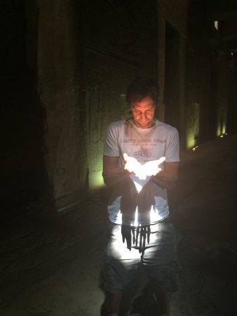 أبيدوس, مصر: Haz de luz dentro del templo