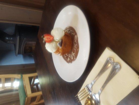 Strabane, UK: Homemade brandy snap basket, vanilla ice cream with chocolate sauce.. delicious!!!