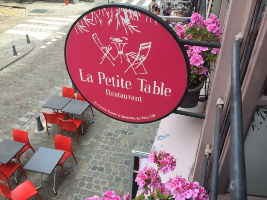 picture of la petite table lille tripadvisor. Black Bedroom Furniture Sets. Home Design Ideas