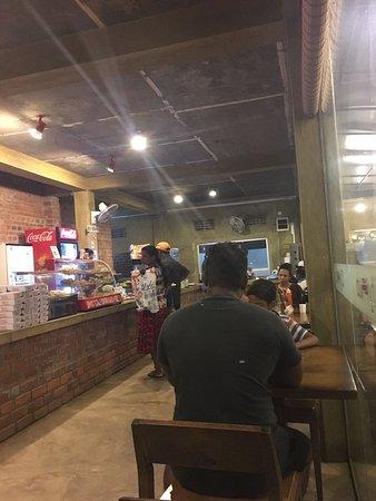 Katunayake, ศรีลังกา: City Hub Family Restaurant