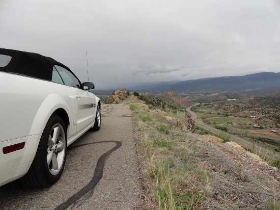 Skyline Drive: Delightful views if you dare to look