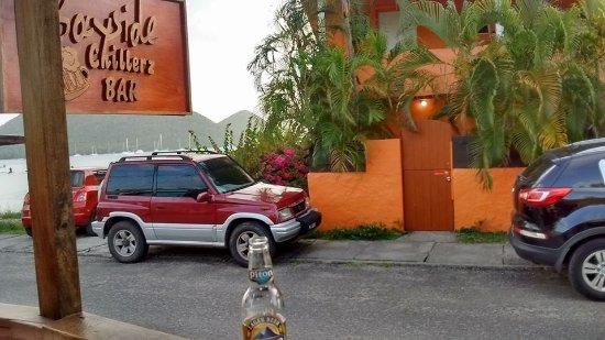 Bay Guesthouse: Convenient bar