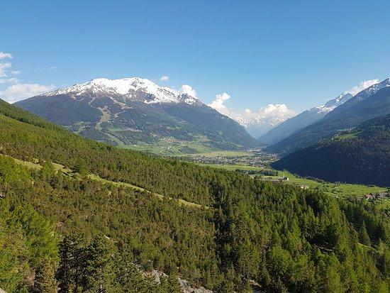 Valdidentro, Italy: Vista dall'esterno