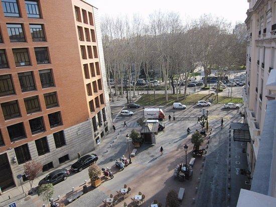 Radisson Blu Hotel, Madrid Prado: View from Suite #410