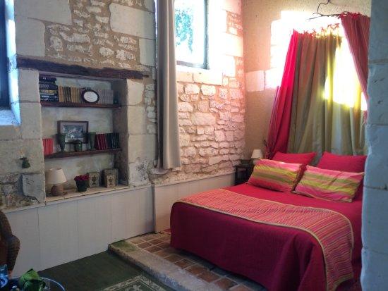 Ligre, France: La chambre Pressoir