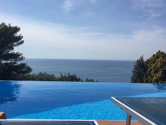 Piscina a sfioro con vista sul mare bild von hotel torre di cala piccola cala piccola - Hotel sul mare con piscina ...