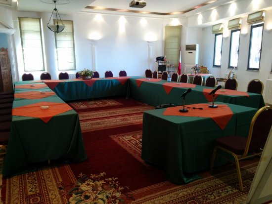 Broummana, Lebanon: CONFERENCE ROOM