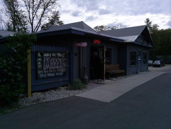 Maddy's Tavern: CAM01728_large.jpg