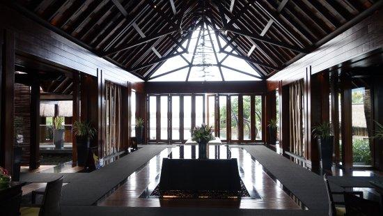 Four Seasons Resort Mauritius at Anahita: Stunning Lobby