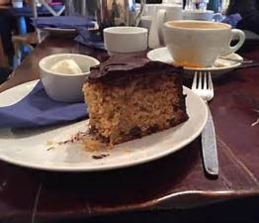 Aboyne, UK: Chocolate Rum & Orange Cake