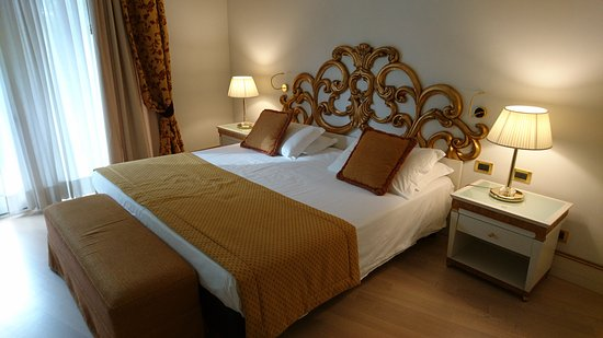 Quarto D'Altino, إيطاليا: Our lovely room with the super comfy bed!