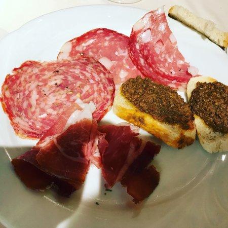 Cerreto Guidi, Italy: Bistecca ed antipasto