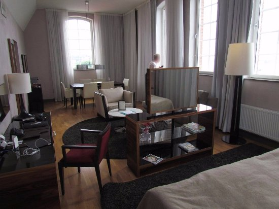 Elite Hotel Marina Tower: Executive Suite #1001