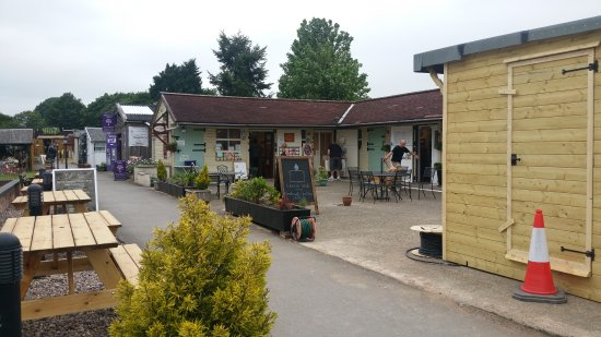 Bobbington, UK : Little shops