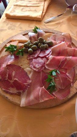 San Vito, Włochy: Antipasto di terra (tutto di produzione locale e buonissimo). Molto abbondante.