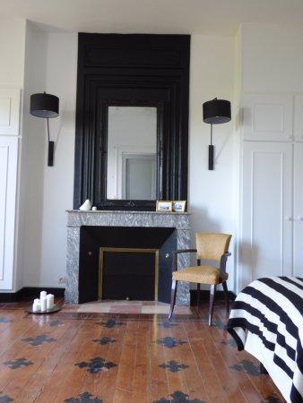 Chambre Cépages Noir et Blanc, lit king size - Picture of Le Coeur ...