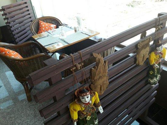 Monywa, Μιανμάρ: Autumn Cafe' & Bar