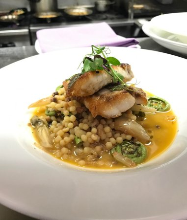 Berkeley Heights, Nueva Jersey: Pan Seared Striped Bass