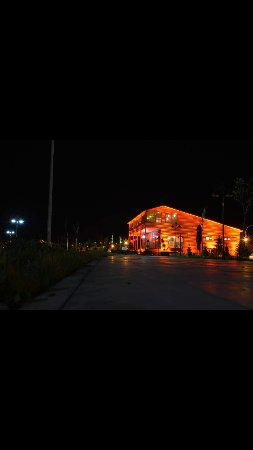 Tatvan, Türkiye: Taht-ıVan kahve evi