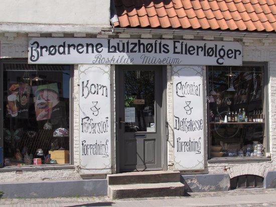 Lutzhofts Kobmandsgard: Tienda de ultramarinos