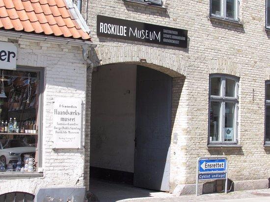 Lutzhofts Kobmandsgard: Museo y tiendas antiguas