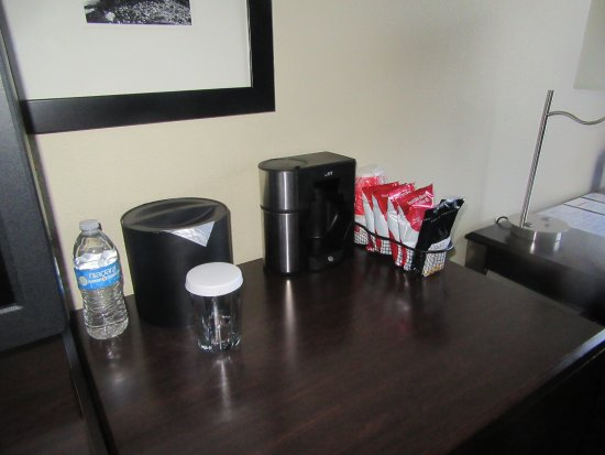 Coffee/Tea Maker in Room, King Bed, Best Western Plus Plaza By the Green, Kent, WA