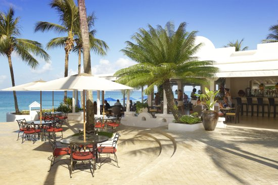 Taboras Restaurant: Outdoor dining at Taboras, Barbados.