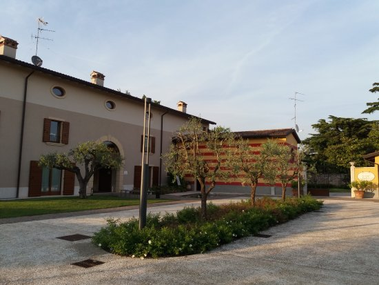 Sona, إيطاليا: 20170523_194529_large.jpg