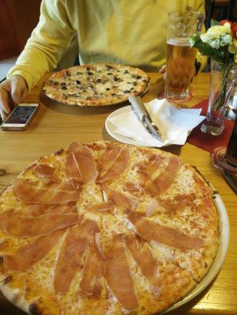 Pizzeria La Montanara: IMG_20170525_174909_large.jpg