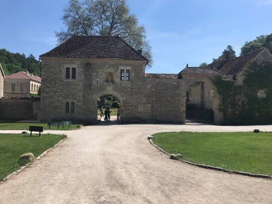 Abbaye de Fontenay: photo0.jpg