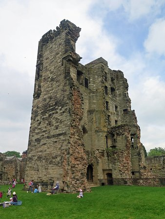 Ashby de la Zouch, UK: Hastings tower which was slighted by Government forces during the English Civil War in 1648