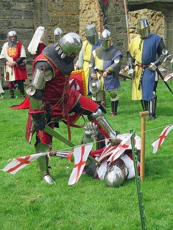 Ashby-de-la-Zouch, UK: Medieval combat