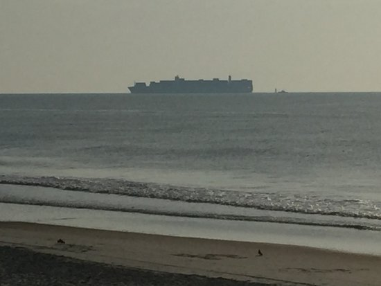 North Beach: Container Ship