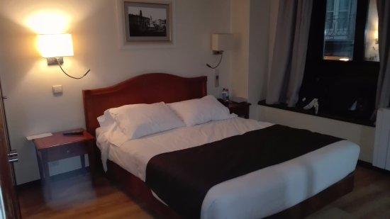 Hotel da Bolsa: habitación del 1er. piso / sin ruidos