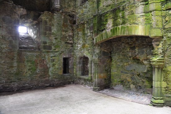 Gatehouse of Fleet, UK: Great Hall mit Kamin
